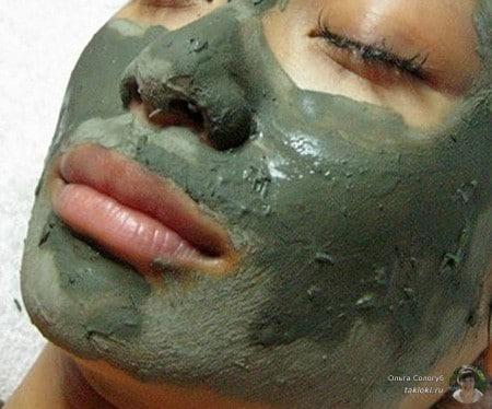 Маска грязевая на лице