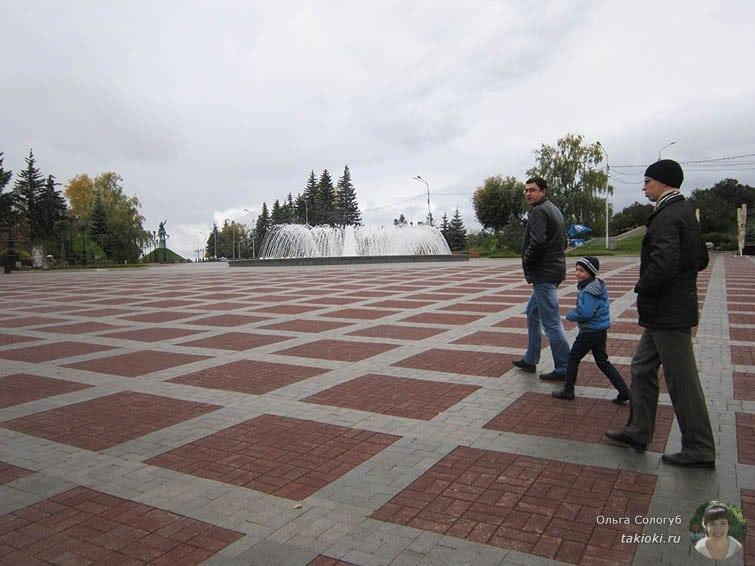Площадь Уфа