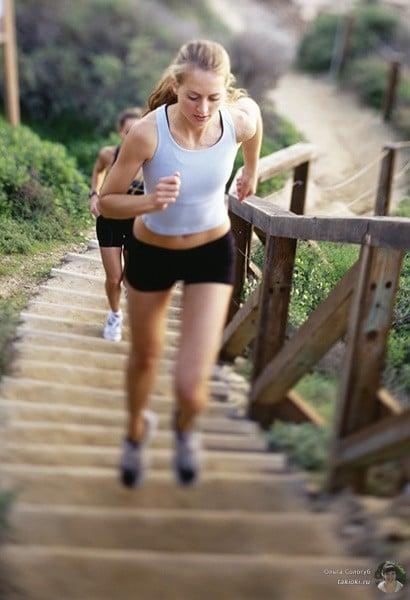 сколько сгорает калорий при беге по лестнице