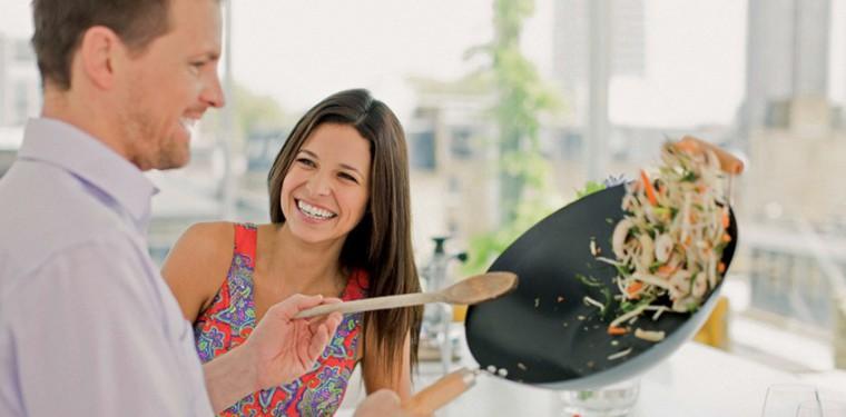 Сковородка вок — для чего нужна и как правильно выбрать