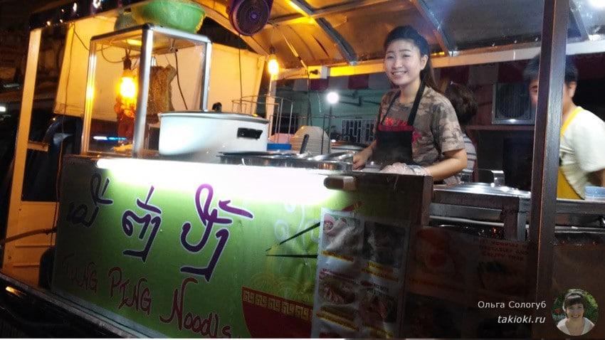 19-chto-poest-v-laose