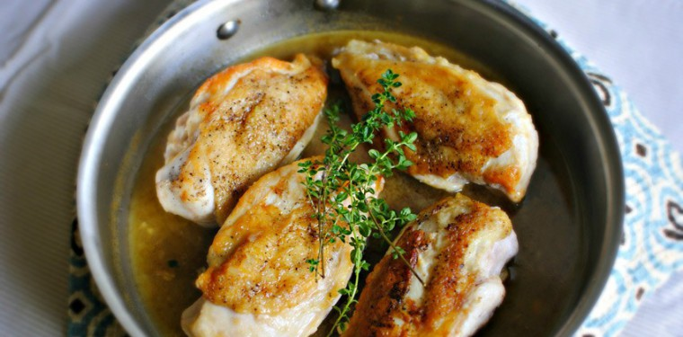 Как жарить курицу на сковороде с корочкой, кусочками, с майонезом и другими способами