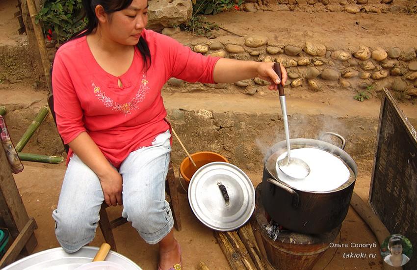 7-chto-poest-v-laose