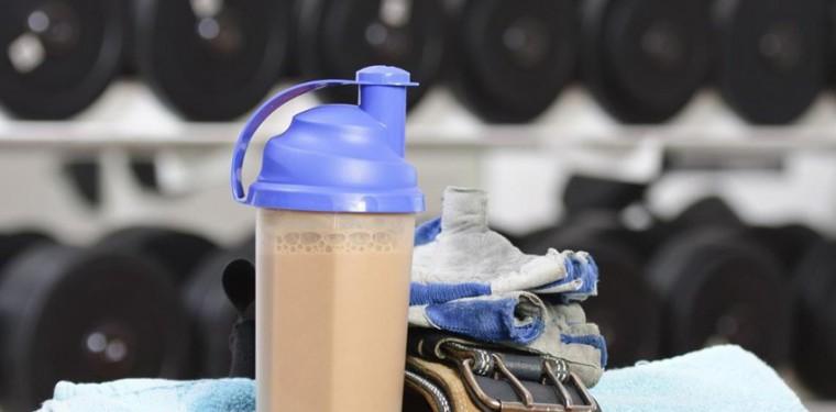 Зачем принимают изолят протеина, что это такое и чем он отличается от сывороточного концентрата