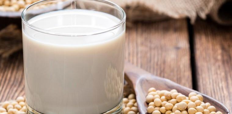 Что такое изолят соевого белка, его польза и вред и кому нужно его принимать
