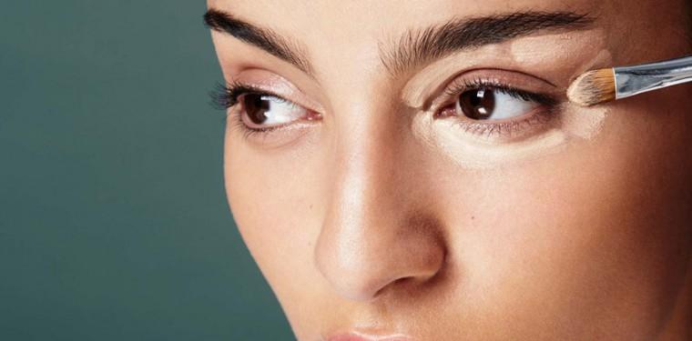 Как замаскировать синяки под глазами в домашних условиях и чем лучше всего их замазать?