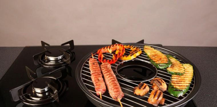 Чудо-сковорода Гриль-газ: как на ней готовить и какую лучше купить — эмалированную или керамическую?