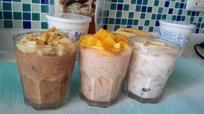 Вкусняшка из охлажденной овсяной каши с йогуртом