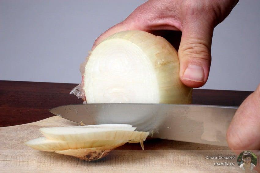 4 жареные караси с луком на сковороде рецепт с фото