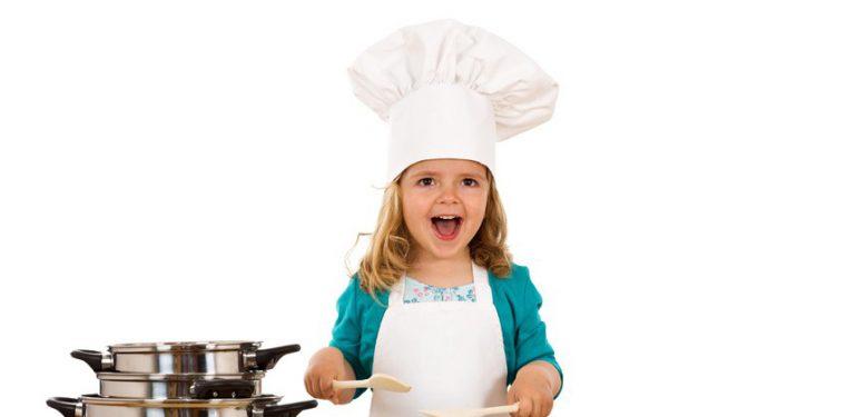 А вы знаете какую посуду можно использовать в микроволновке без вреда для техники?