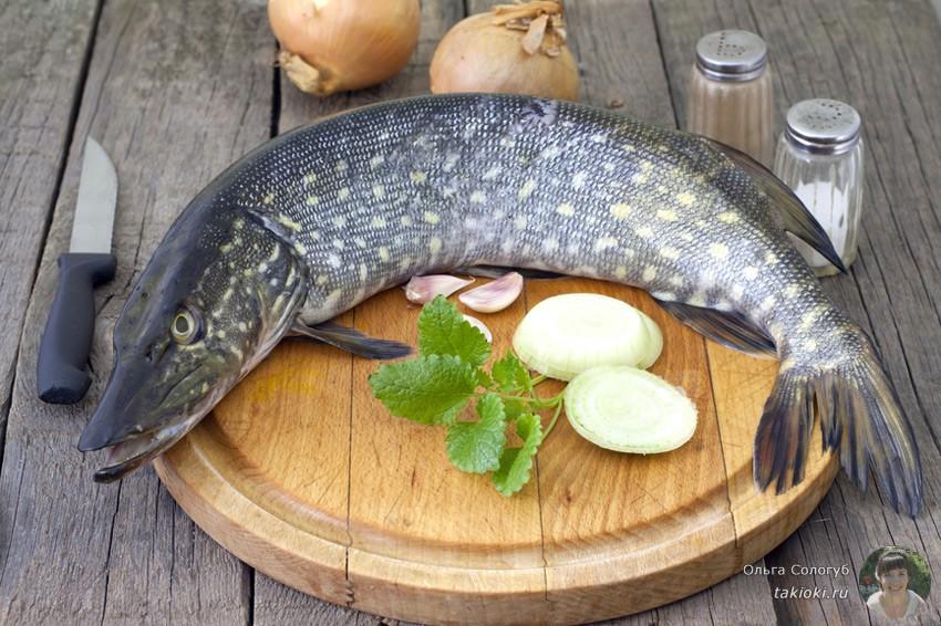 готовим жареную щуку с овощами