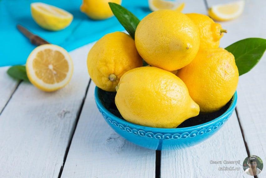 чистим микроволновку внутри содой и лимоном