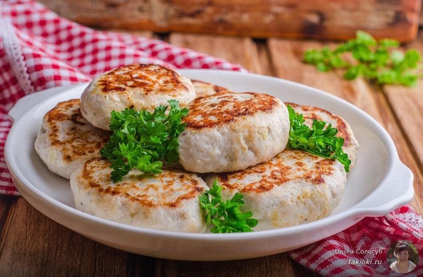 Как вкусно приготовить мясо в горшочке с сыром и