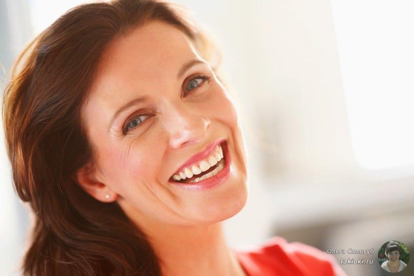 какие процедуры у косметолога помогают бороться с отечностью