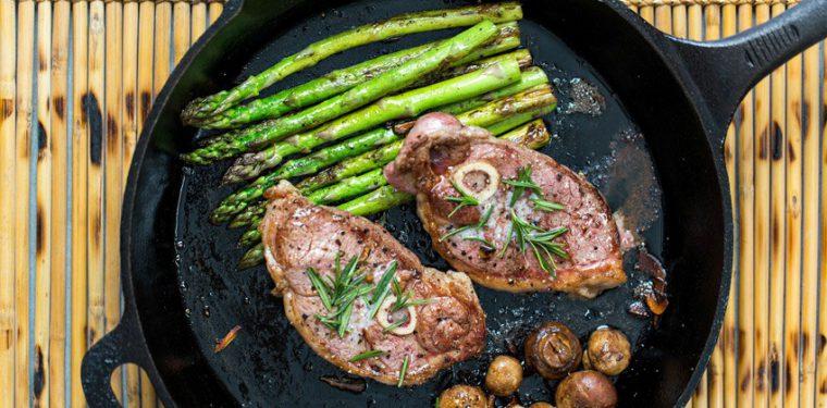 Как пожарить вкуснющее мясо на сковороде – тонкости и кулинарные секреты + 4 оригинальных рецепта