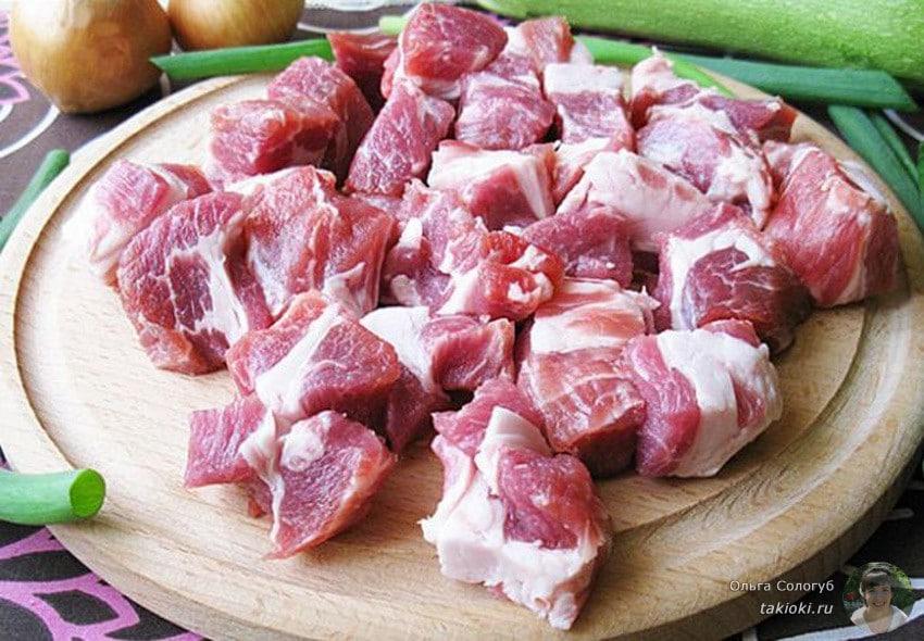 сколько жарится свинина на сковороде