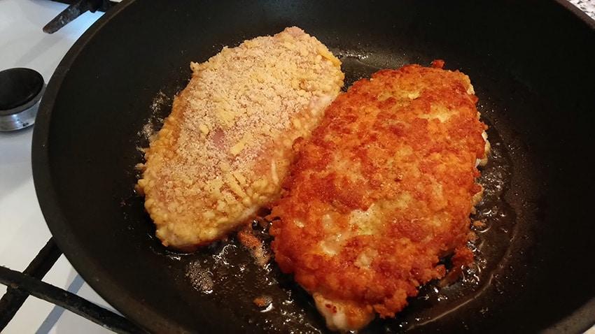 Вкусное блюдо из куриного филе на сковороде
