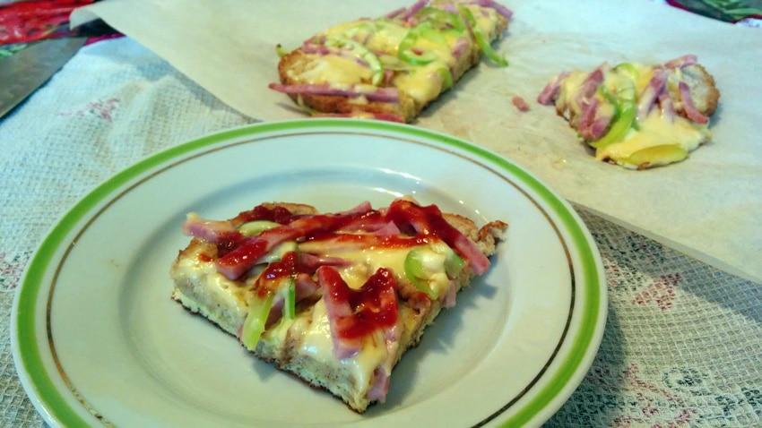 как сделать пиццу из батона ветчины и сыра