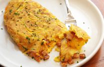 Готовим на сковороде омлет с мукой – подробный рецепт с фото