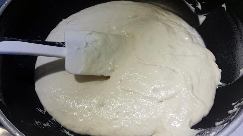 Тесто для пиццы на кефире на противень
