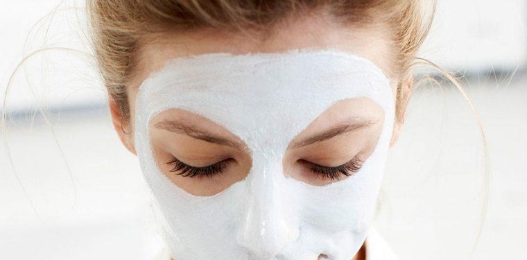 6 универсальных рецептов для увлажнения сухой кожи лица