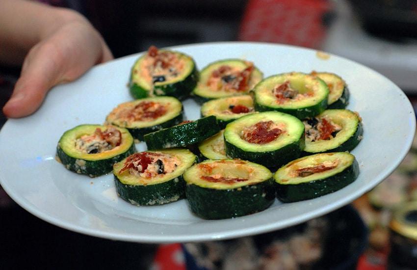 Как приготовить фаршированные кабачки на сковороде – пошаговый рецепт с фото