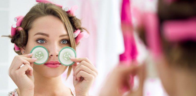 5 простых средств, помогающих убрать темные круги под глазами