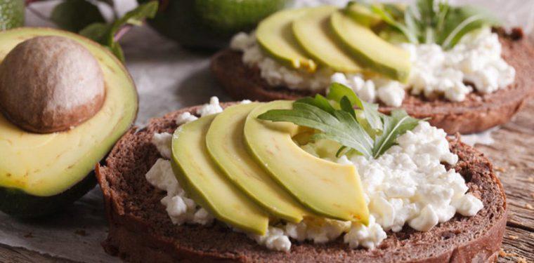 5 полезных закусок, которые можно кушать даже поздним вечером