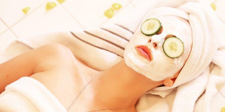 Как правильно выбрать и использовать отбеливающую маску для лица в домашних условиях
