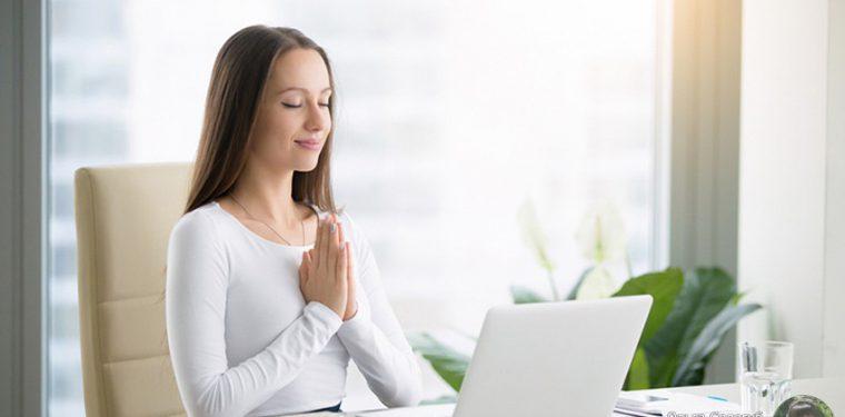 6 простых упражнений, которые можно выполнять даже на работе