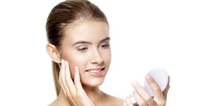 Физические и химические эксфолианты: какой выбор лучше для кожи?