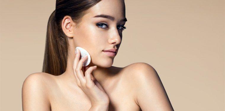 Как оставаться неотразимой с утра до вечера? Матирующие салфетки для лица помогут сохранить макияж без труда