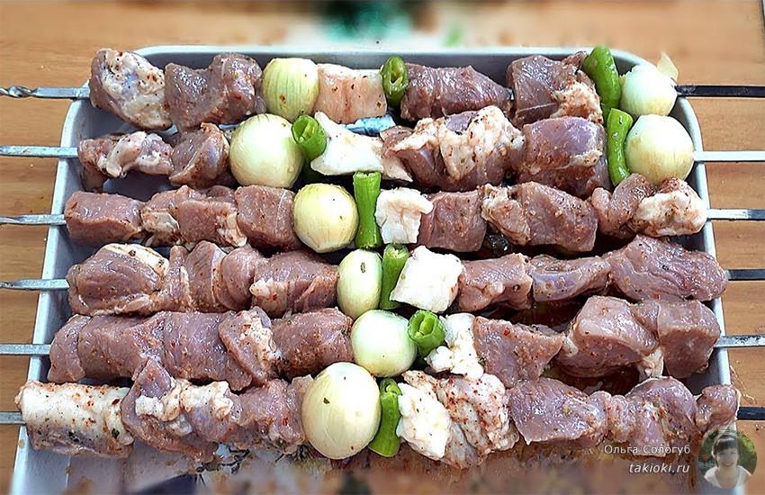 размягчаем мясо в минералке