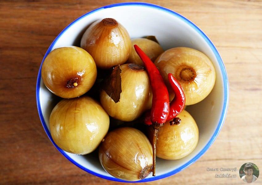 маринованный лук в яблочном уксусе и сахаре