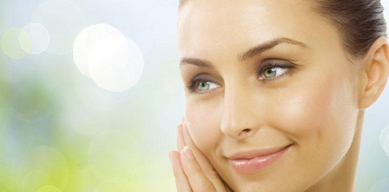 Как правильно распарить лицо для чистки в домашних условиях и что лучше — профессиональные маски и паровая сауна?