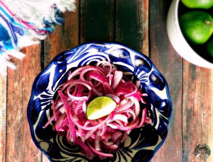 простые и вкусные салаты с маринованным луком