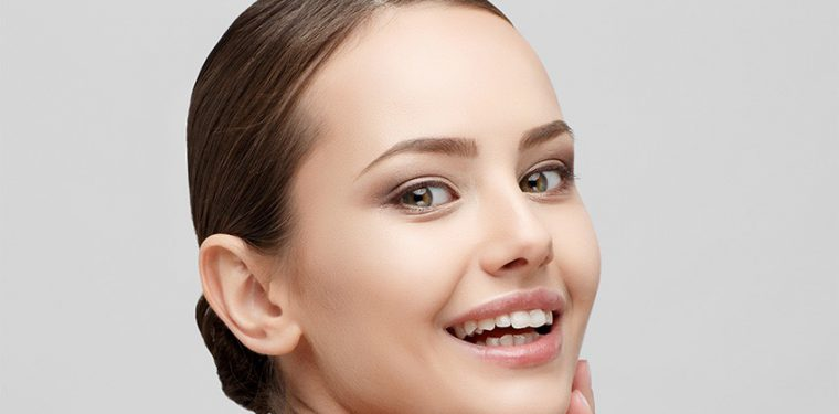 Какие витамины для кожи лица лучше других помогут сохранить красоту и молодость?