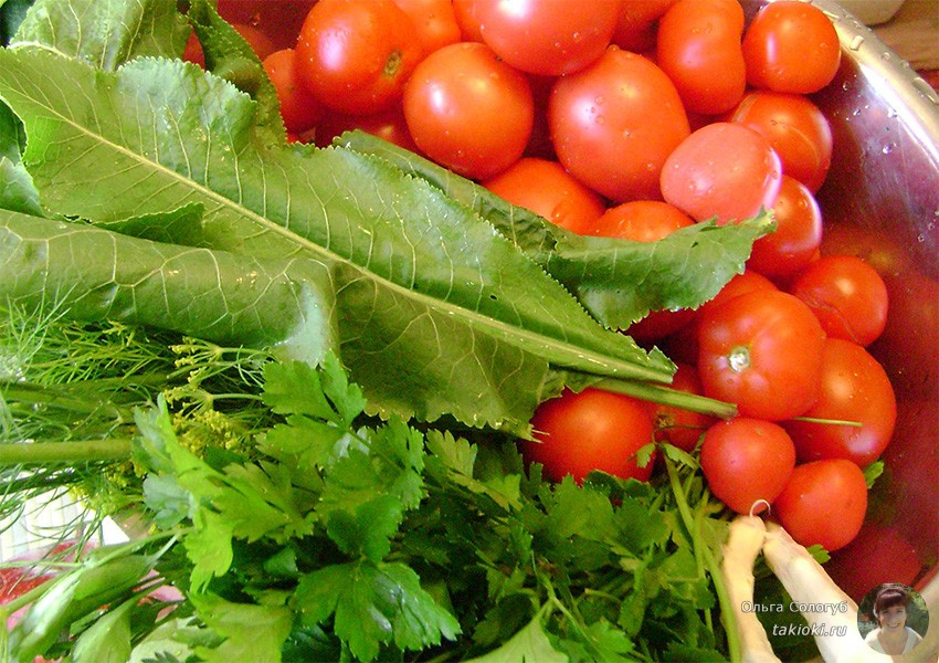 маринованные томаты с чесноком и зеленью