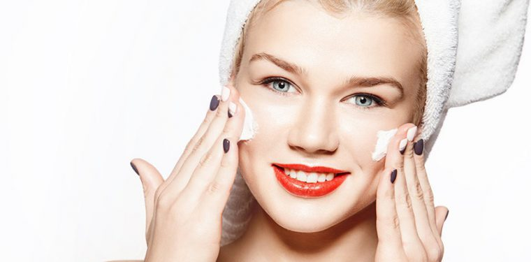 Топ-рейтинг увлажняющих масок для лица в домашних условиях — лучшие рецепты для дома и варианты косметики